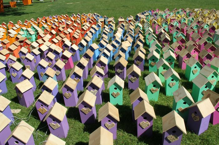 I-made-3500-birdhouses-from-scrapwood11__700