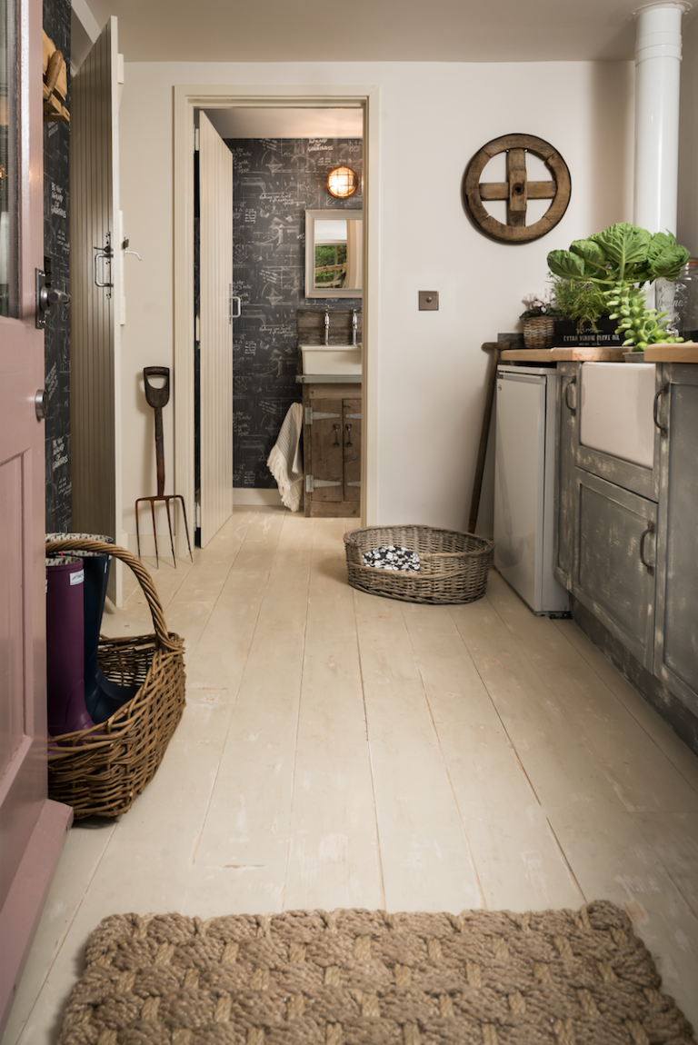 1471959108-syn-clg-1470526134-the-fable-cottage-utility-room
