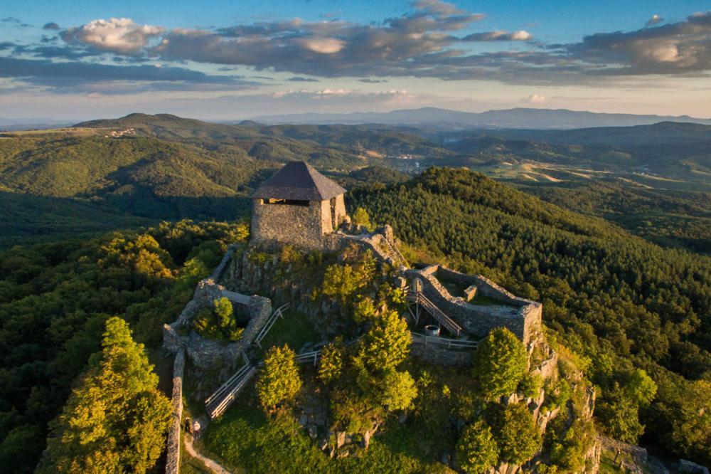eed20d59e8 Erődként magasodnak a turistacsalogató várak Észak-Magyarországon ...