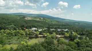 Mátrafüred, 2015. június 2. A Mátra Kemping és Motel látképe a Sástó partján a Mátra hegységben. A tó Magyarország legmagasabban fekvõ tava, tengerszint feletti magassága 507 méter. MTVA/Bizományosi: Nagy Zoltán  *************************** Kedves Felhasználó! Az Ön által most kiválasztott fénykép nem képezi az MTI fotókiadásának, valamint az MTVA fotóarchívumának szerves részét. A kép tartalmáért és a szövegért a fotó készítõje vállalja a felelõsséget.