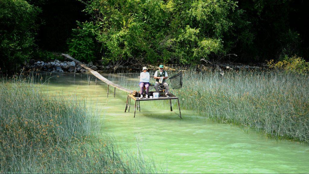 Zánka, 2011. július 2. Stégen horgászó pár Zánkán. MTI Fotó: H. Szabó Sándor